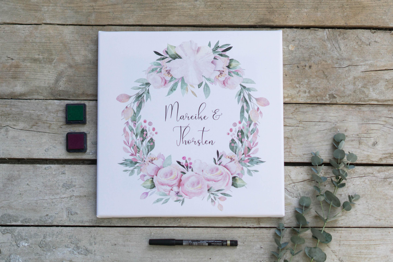 gaestebuch_idee_kleine_hochzeit_tiny_wedding_leinwand_blumenkranz_q1-1-von-1