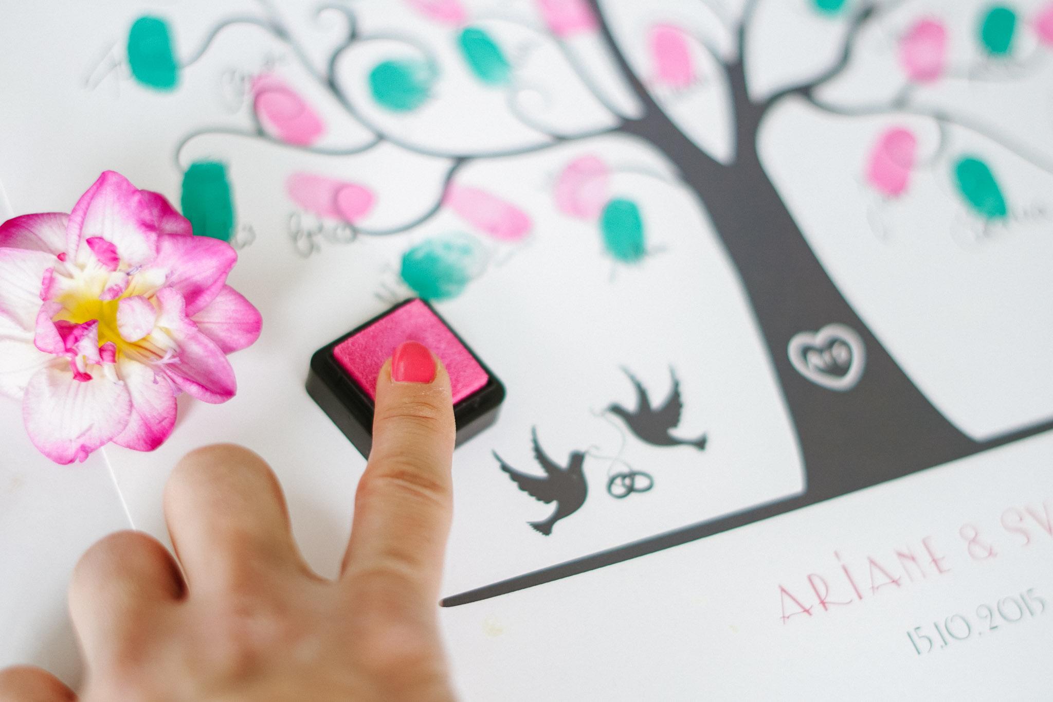 weddingtree_beim_stempeln_pink