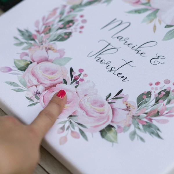 gaestebuch_idee_kleine_hochzeit_tiny_wedding_leinwand_blumenkranz_3-1-von-1TjZwDXleHInMi