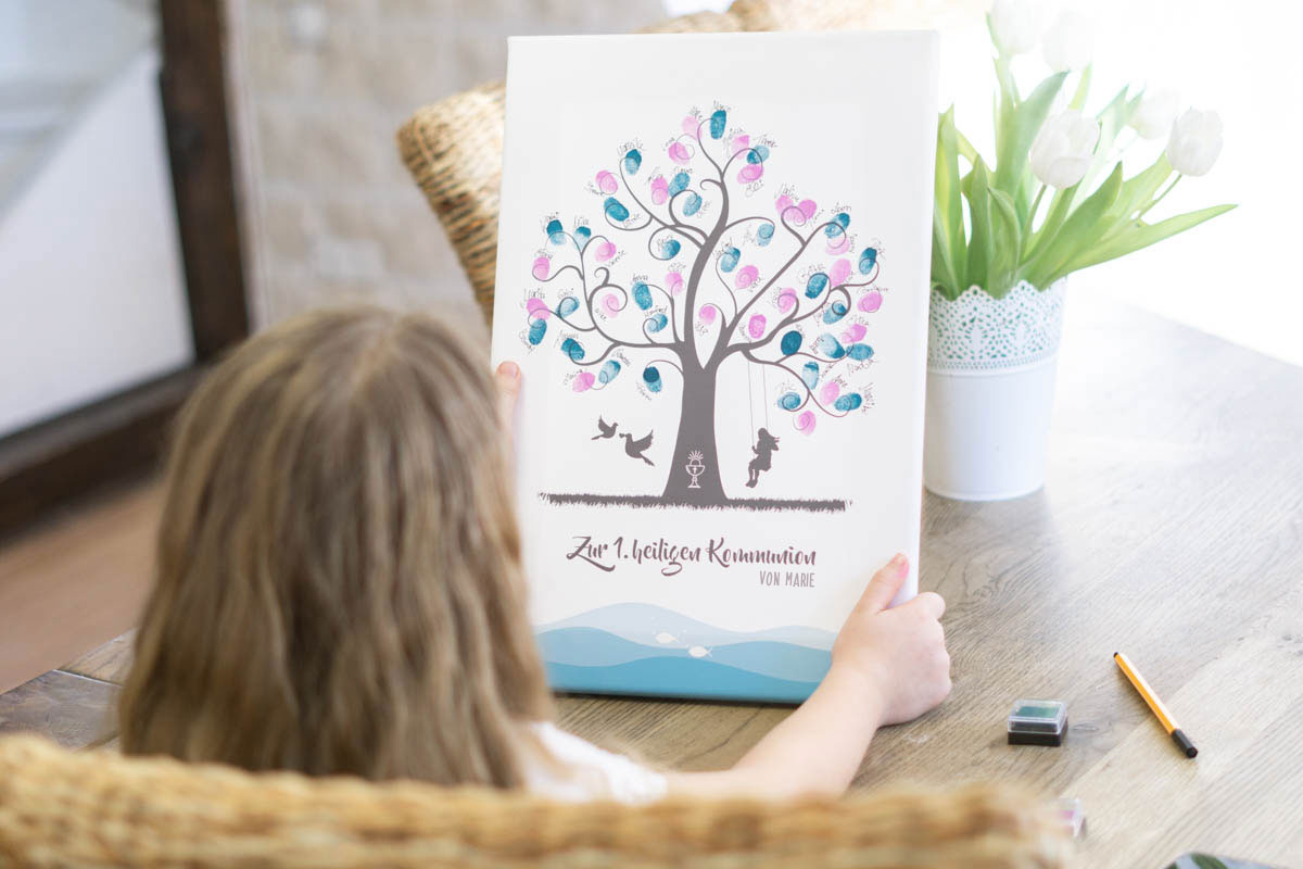 Geschenk zur Erstkommunion ein Fingerabdruck Gästebuch