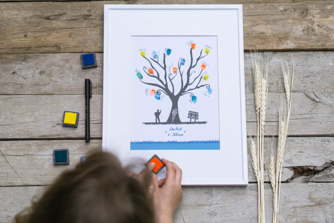 Fingerabdruckbild als Geschenk zur Einschulung für Jungen